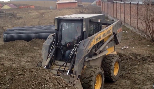 погрузчик New Holland L223